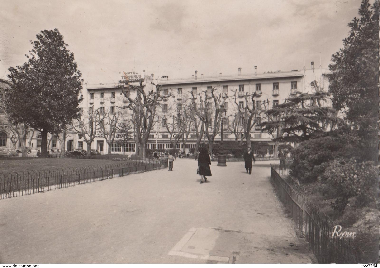 MARSEILLE: L'Hôtel Terminus De La Gare Saint-Charles - Marseilles