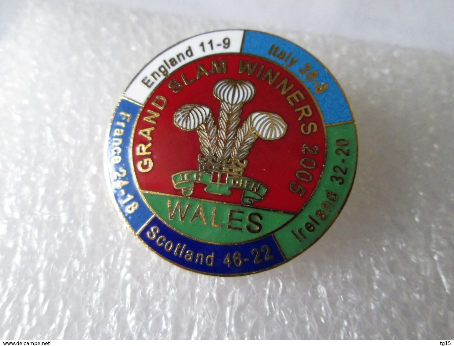NO PIN'S BADGES  RUGBY  WALES  Grand Slam  Winners  2005  Tournoi 6 Nations Grand Chelem  GALLES  Email Grand Feu - Rugby
