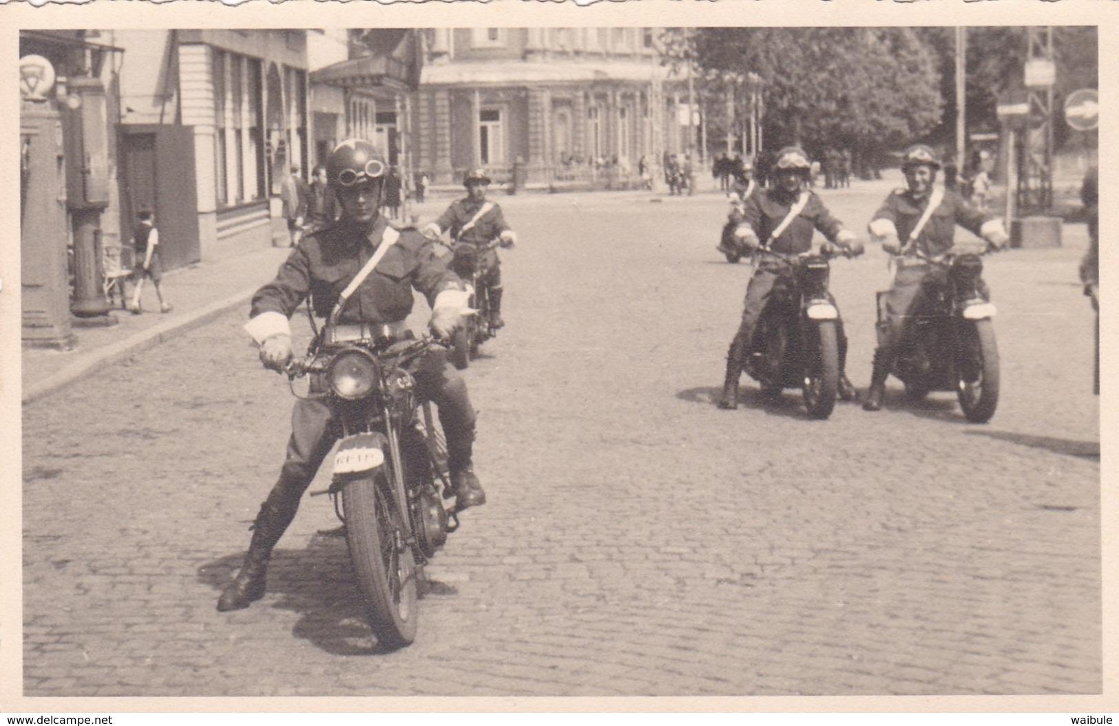 Soldat Armée Militaire Belge Défilé à Spa Vieille Moto MP RP Photo Carte - Krieg, Militär