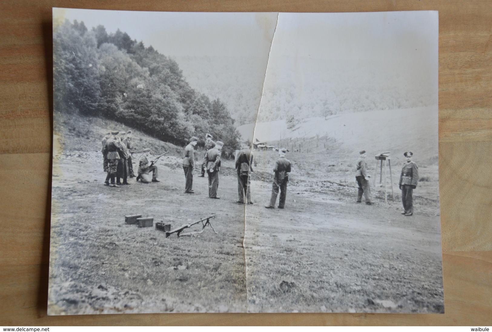Spa Ou Région Soldats Allemands Au Tir (vieille Photo (reproduction?) 24 X 30) - Kaufmanns- Und Zigarettenbilder
