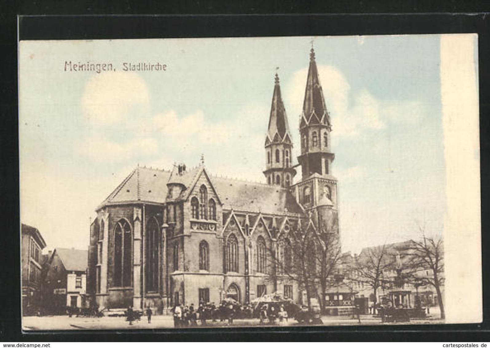 AK Meiningen, Passanten Vor Der Stadtkirche - Meiningen