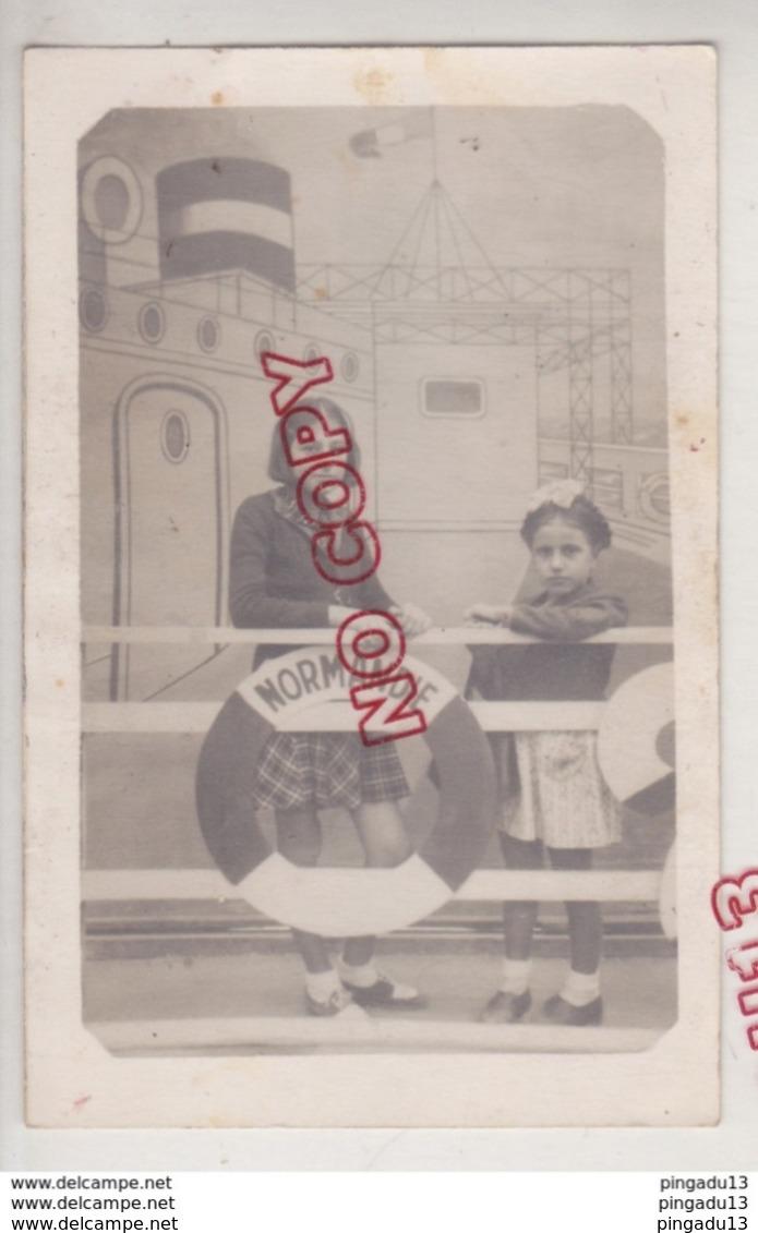 Au Plus Rapide Photo Format Carte Photo Archive Famille Arménienne Arménie Montage Trucage Foire Paquebot Normandie - Personnes Identifiées