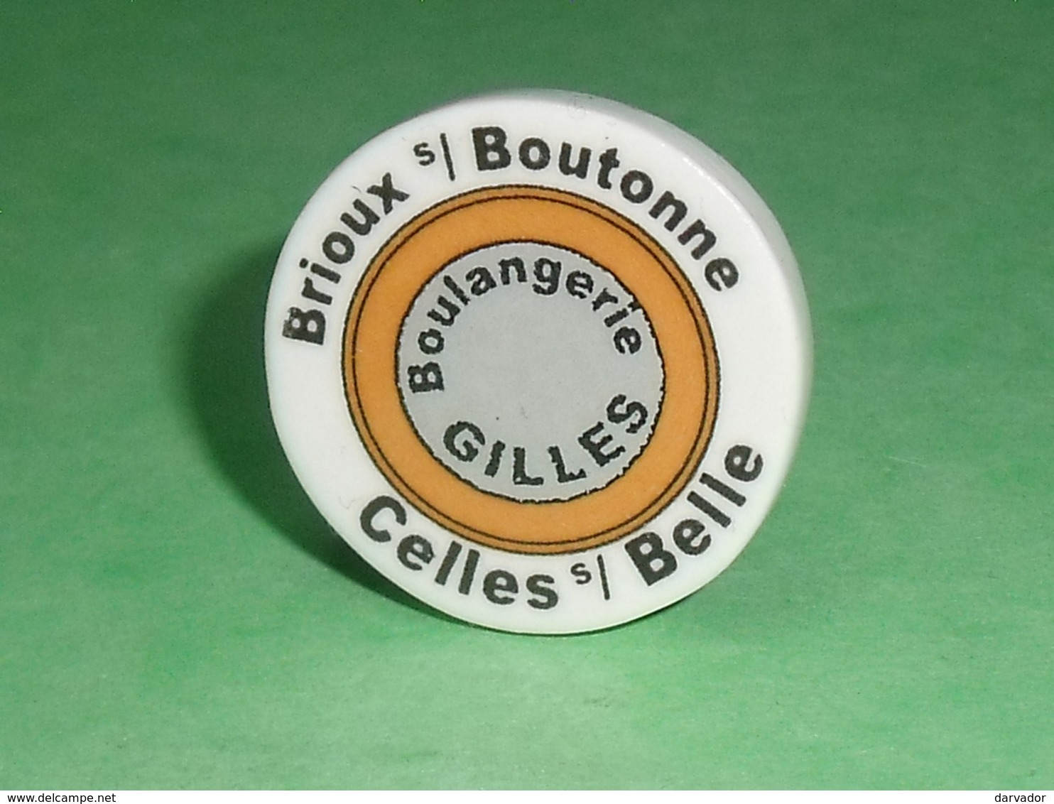 """Fèves / Autres / Divers / Régions : Boulangerie """" Gilles """" , Celles Sur Belle, Perso T119 - Regiones"""