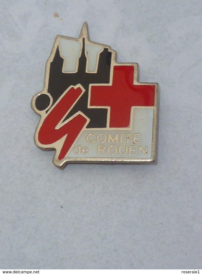 Pin's COMITE CROIX ROUGE DE ROUEN - Brandweerman