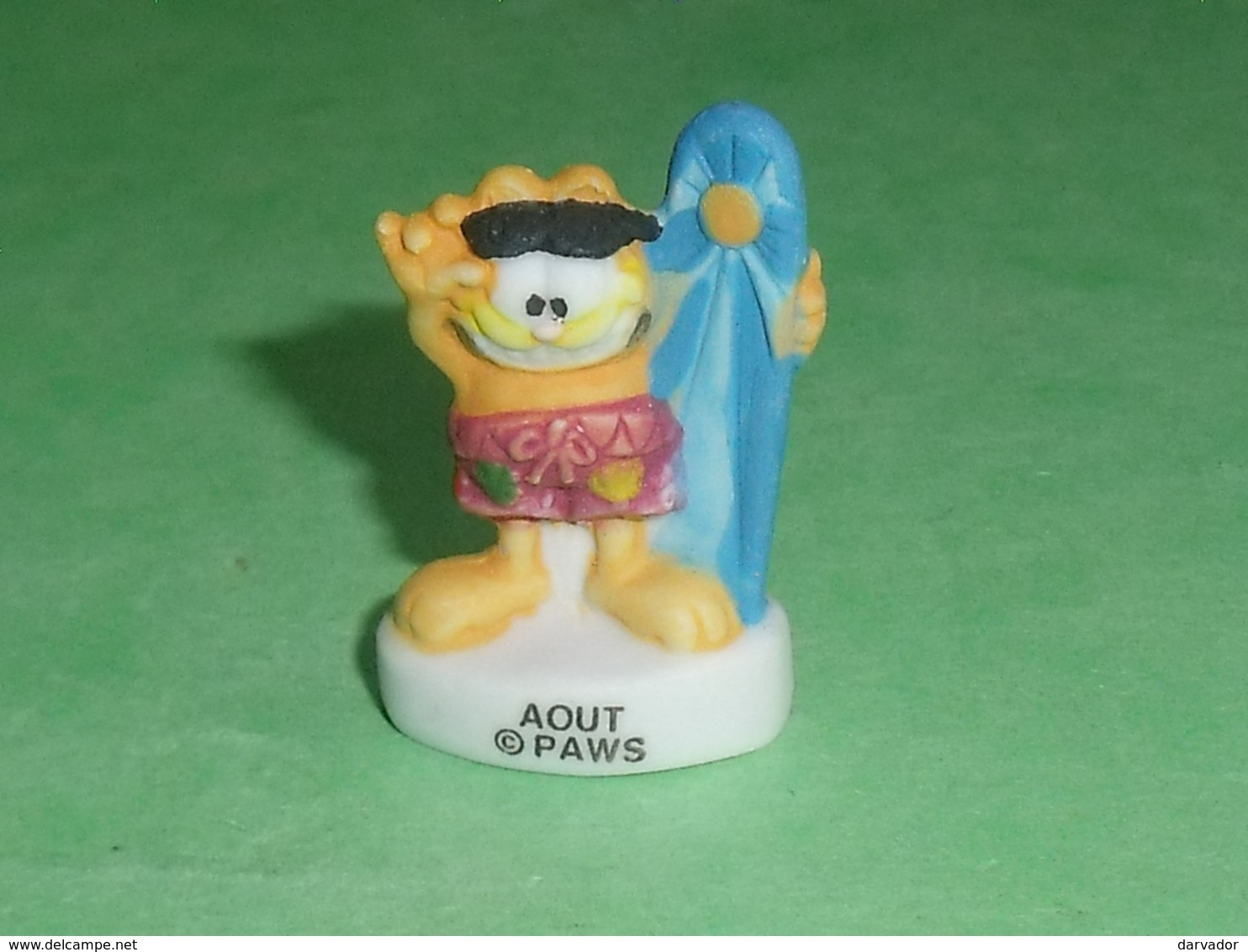 "Fèves / Dessins Animés / Film / BD : Garfield , Les Mois De L'année , Août  "" Mat ""  T72 - Cartoons"