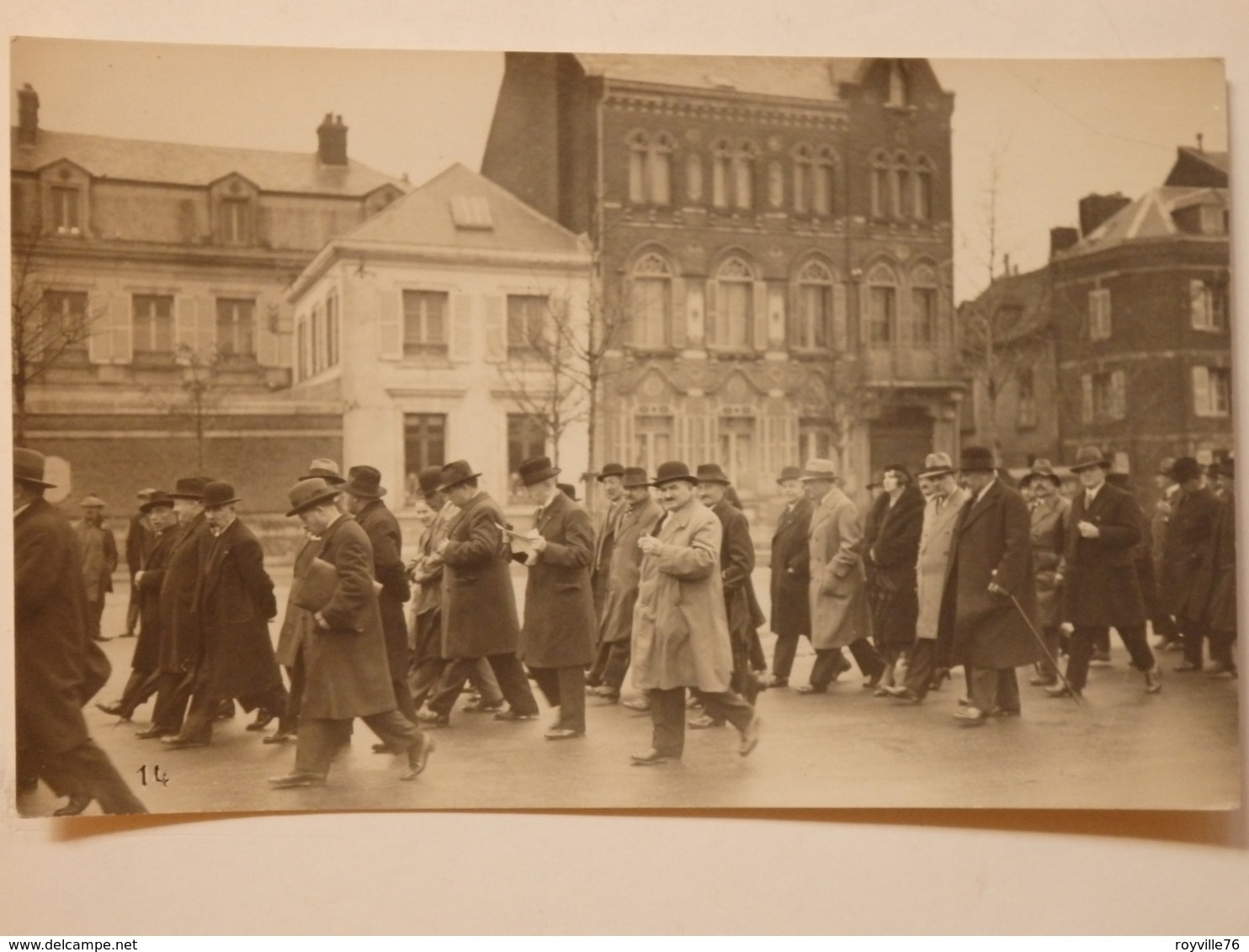 Carte Photo De Amiens. Portrait Lucien Hacquar 98, Rue Des 3 Cailloux à Amiens. - Amiens
