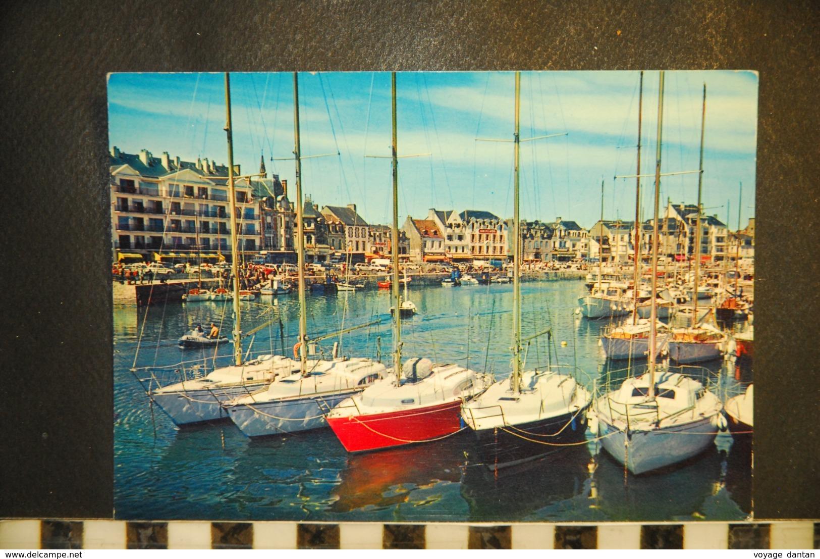 CP 44, POULIGUEN - LA BAULE - Le Port,  Barques Au Repos - Le Pouliguen