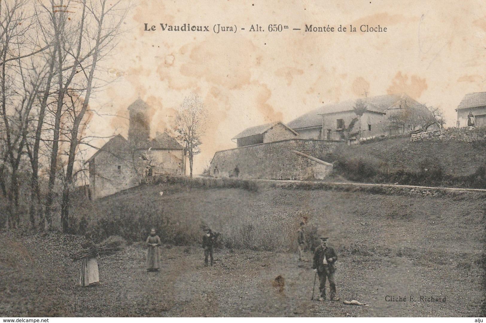 Le VAUDIOUX (Jura) Montée De La Cloche - France