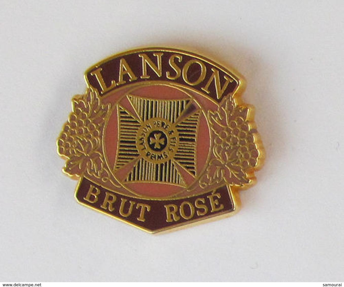 1 Pin's BOISSON/CHAMPAGNE - LANSON BRUT ROSE Signé EOLE - Beverages