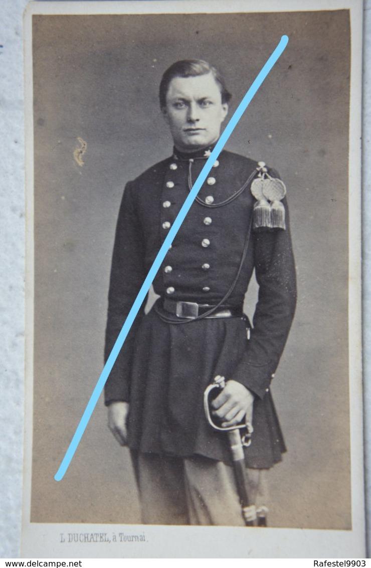 CDV ABL Officier Belge Circa 1865 Sabre Sword Armée Belge Belgische Leger Photographe L DUCHATEL Tournai - Photos