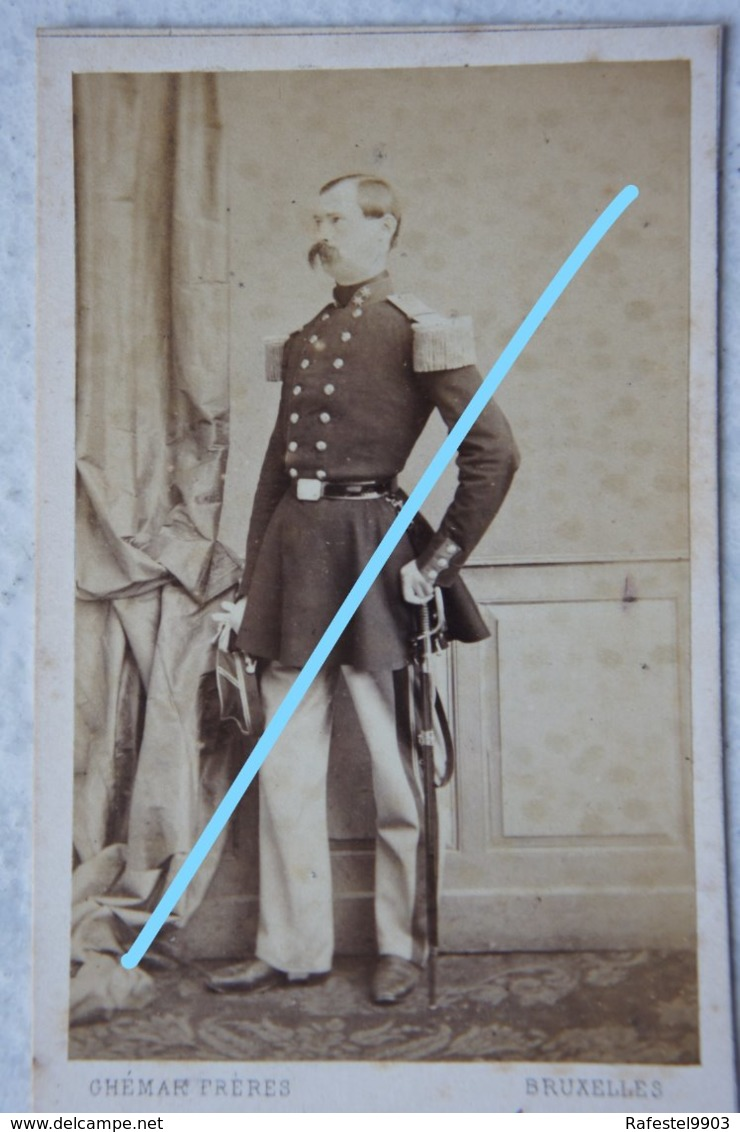 CDV ABL Officier Belge Circa 1865 Sabre Sword Armée Belge Belgische Leger Photographe GHEMAR Brussel Bruxelles - Photos