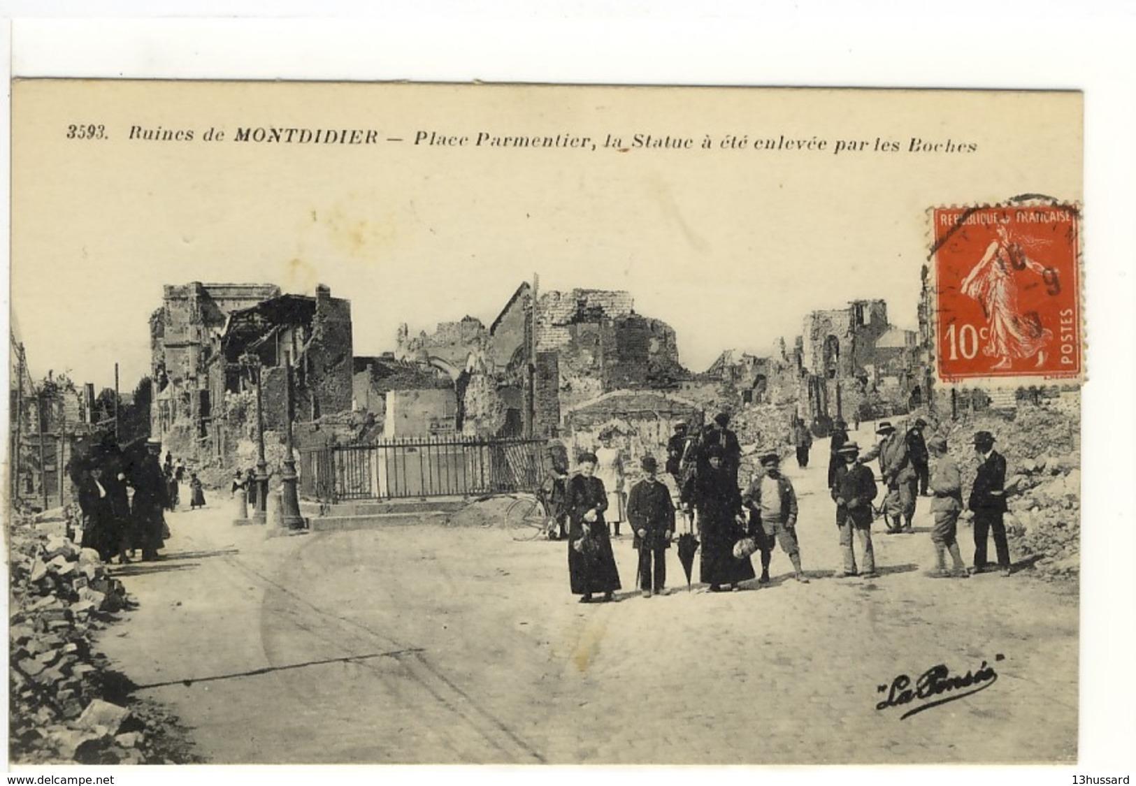 Carte Postale Ancienne Montdidier - Place Parmentier, La Statue A été Enlevée Par Les Boches - Ruines, Guerre 1914 1918 - Montdidier