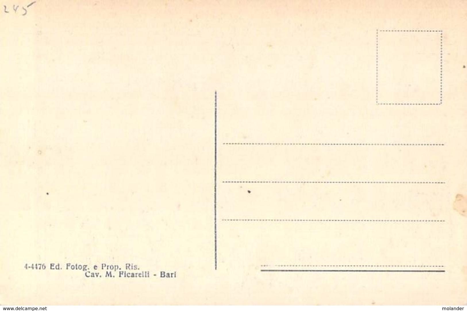 Bari -Bari Vechhia - Cortill S. Nicola Old Original Italia Postcard - Bari
