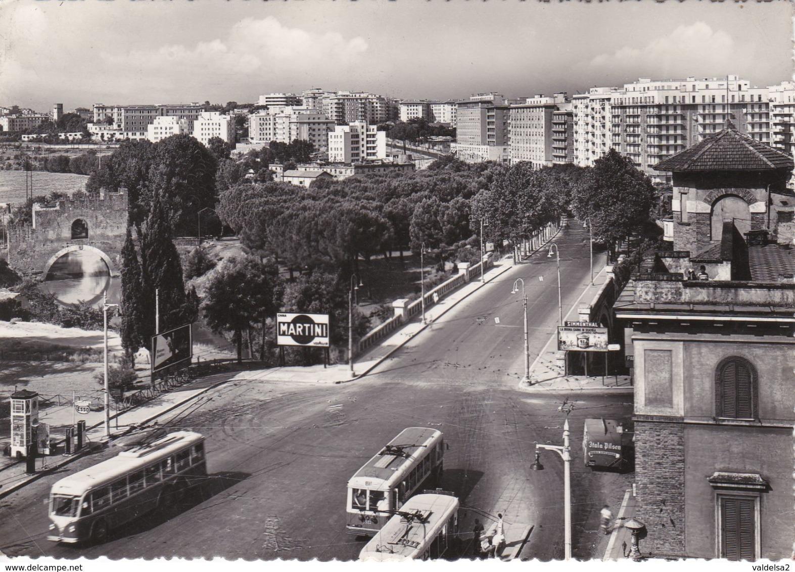 ROMA - CORSO SEMPIONE - VIA NOMENTANA - CARTELLONE PUBBLICITARIO MARTINI -FURGONE BIRRA ITALA PILSEN-FILOBUS / TRAM-1955 - Trasporti