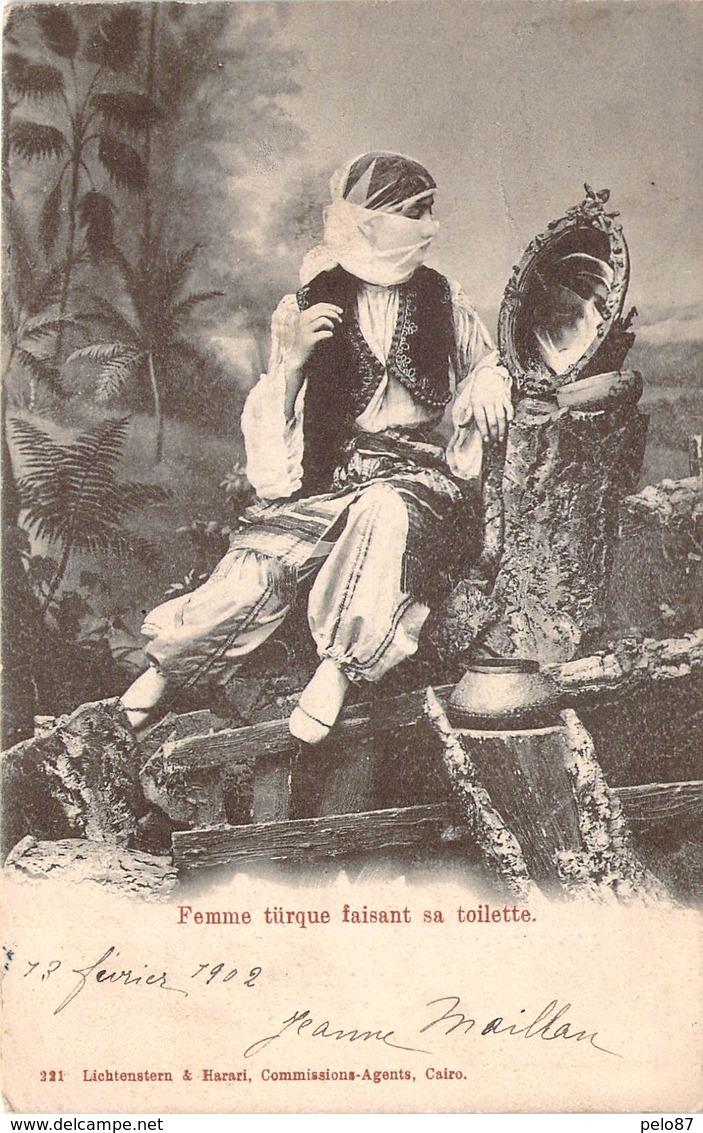 CPA  Egypte Cairo Femme Turque Faisant Sa Toilette  (animée)(précurseur)  CC 379 - Le Caire