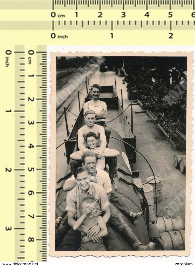 1939 Yugoslav State Railways JDZ REAL PHOTO People On Train Tank Men Guys Boy Abstract OLD VINTAGE ORIGINAL SNAPSHOT - Trenes