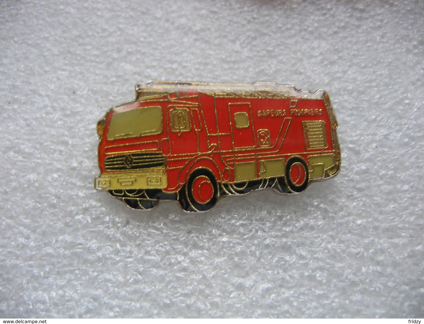 Pin's Camion RENAULT à Grande Echelle Des Sapeurs Pompiers - Bomberos