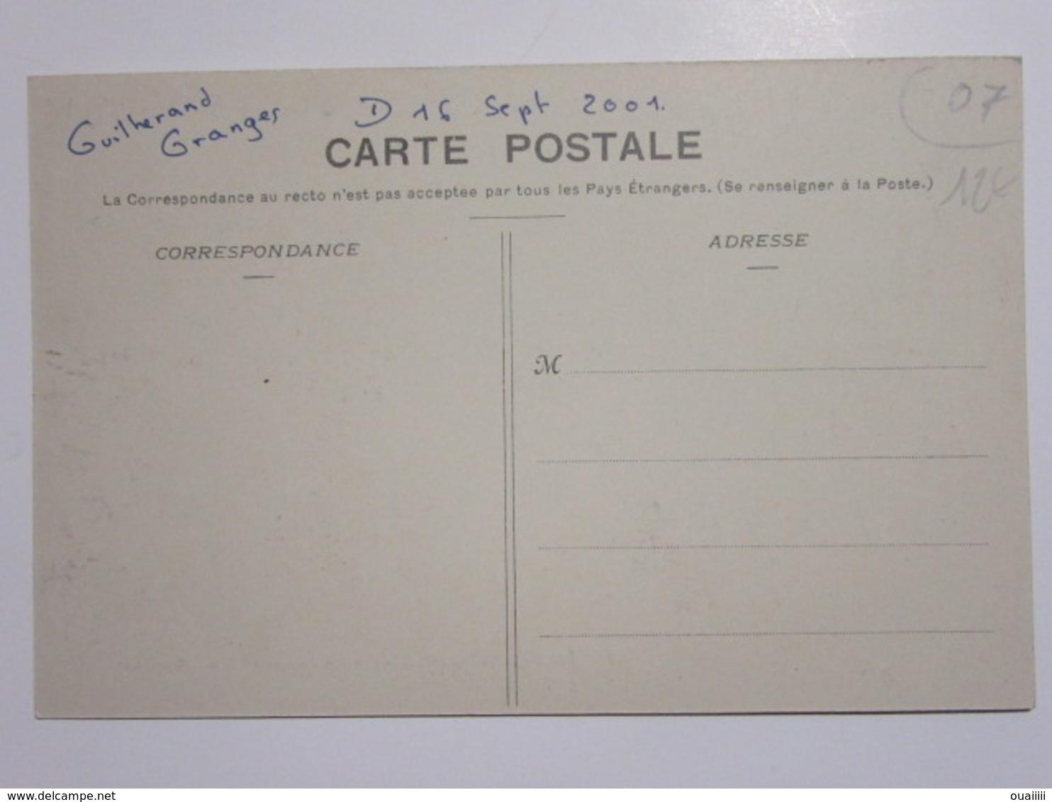 Cpa, Trés Belle Vue Animée, LA LOUVESC, Les Marchands En Face De La Basilique - La Louvesc