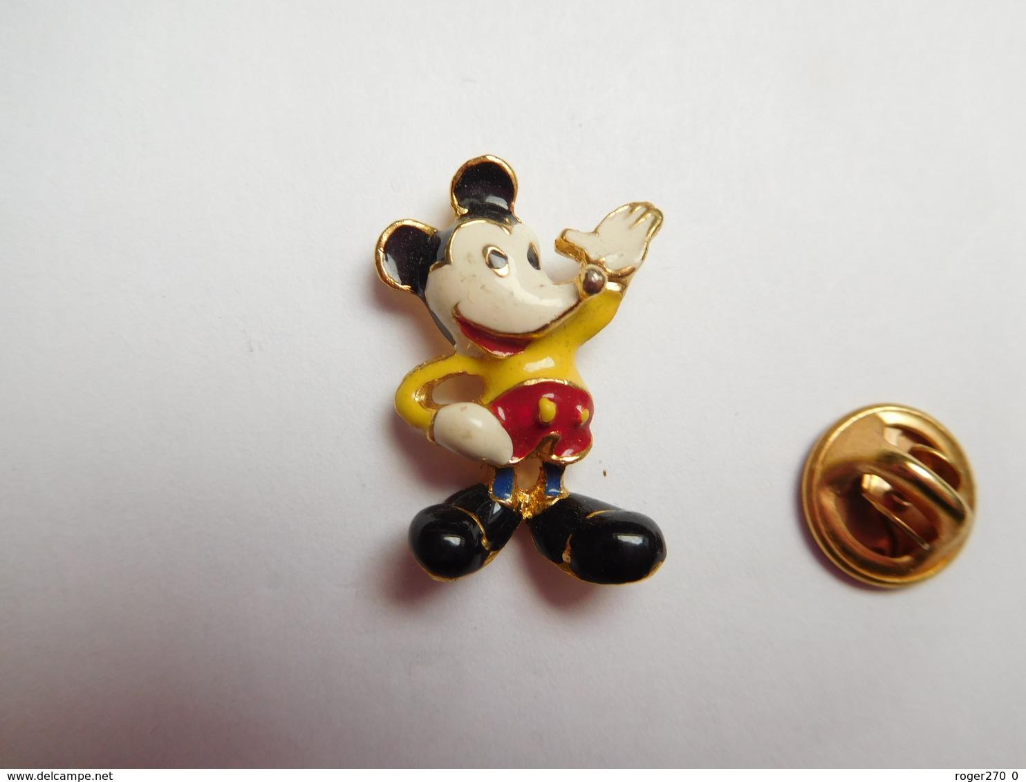 Beau Pin's En Relief , Disney , Mickey - Disney