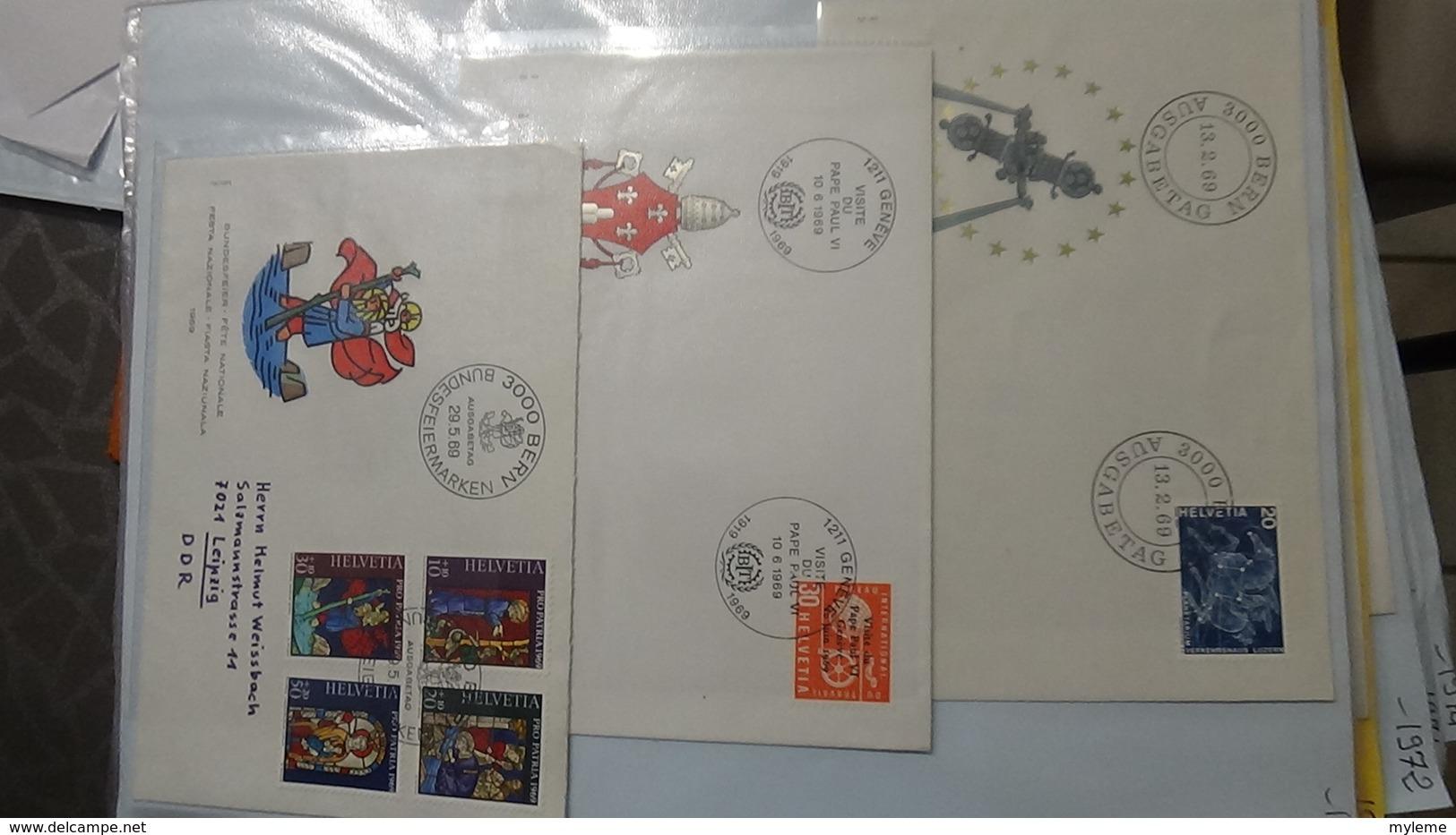 Lot De 50 Enveloppes 1er Jour Et Autres De Suisse. A Saisir !!! - Collections (en Albums)