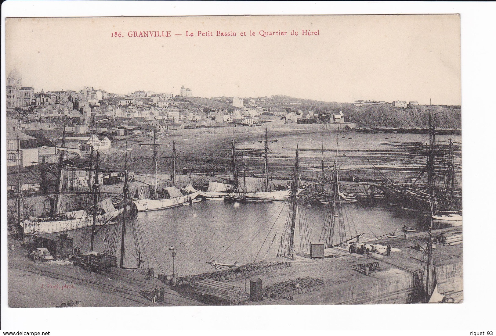 186 - GRANVILLE - Le Petit Bassin Et Le Quai De Hérel - Granville