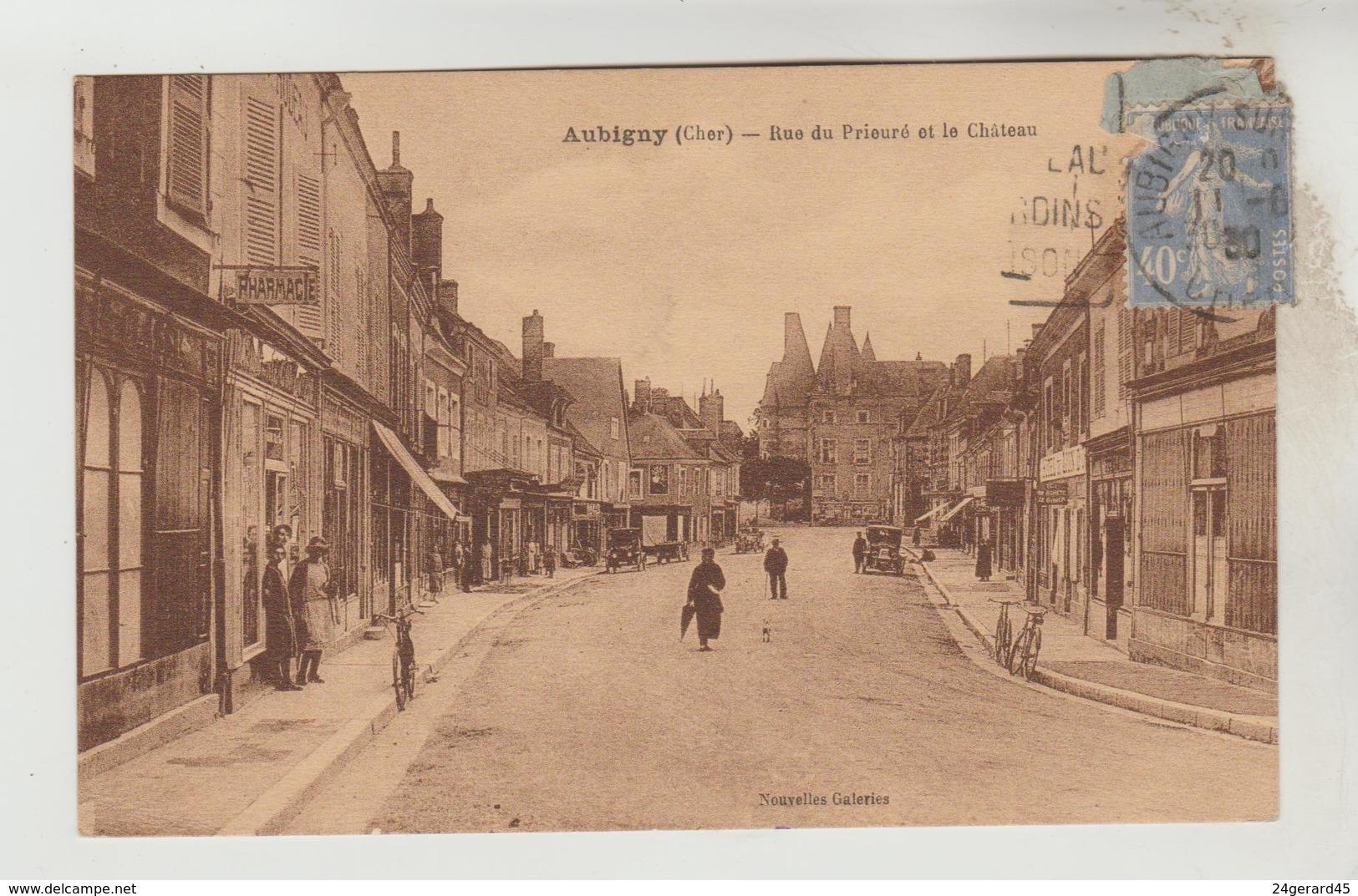 CPSM AUBIGNY SUR NERE (Cher) - Rue Du Prieuré Et Le Château - Aubigny Sur Nere