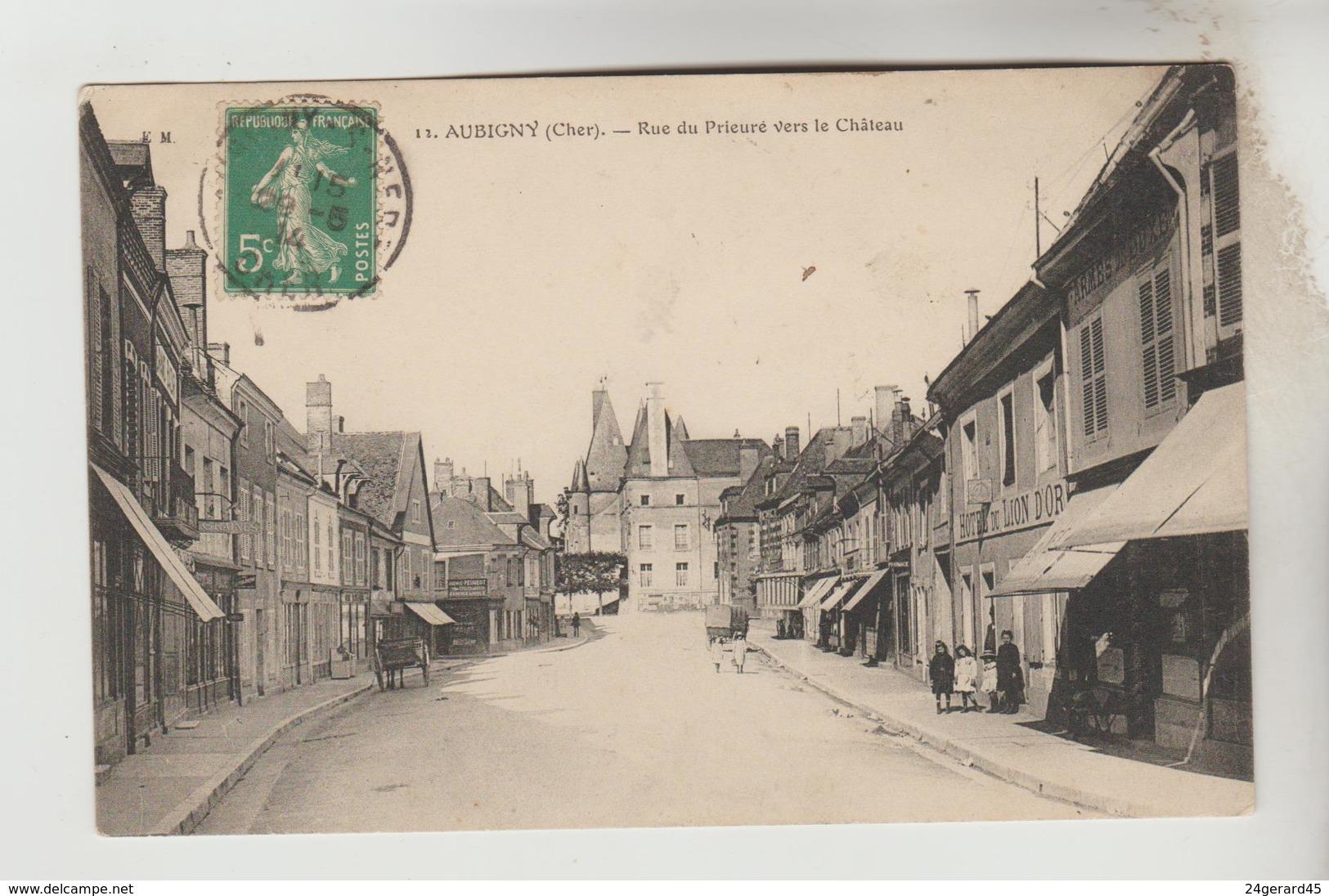 CPA AUBIGNY SUR NERE (Cher) - Rue Du Prieuré Vers Le Château - Aubigny Sur Nere