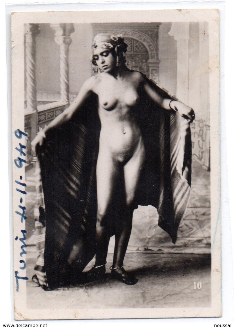 Foto Pequeña Mujer Tunez 1949 - Belleza Feminina (1941-1960)