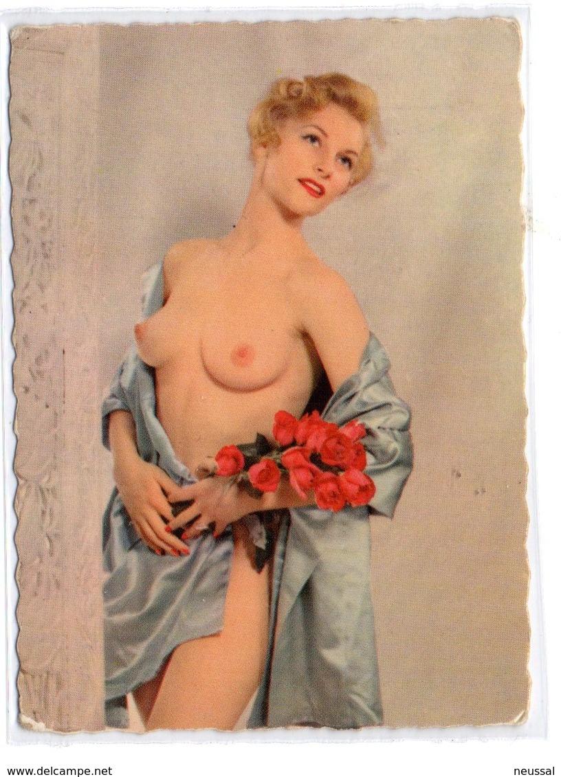 Tarjeta Pequeña  Mujer Desnuda De Pie   Con Rosa., G. Picard- Made In France - Belleza Feminina (1941-1960)