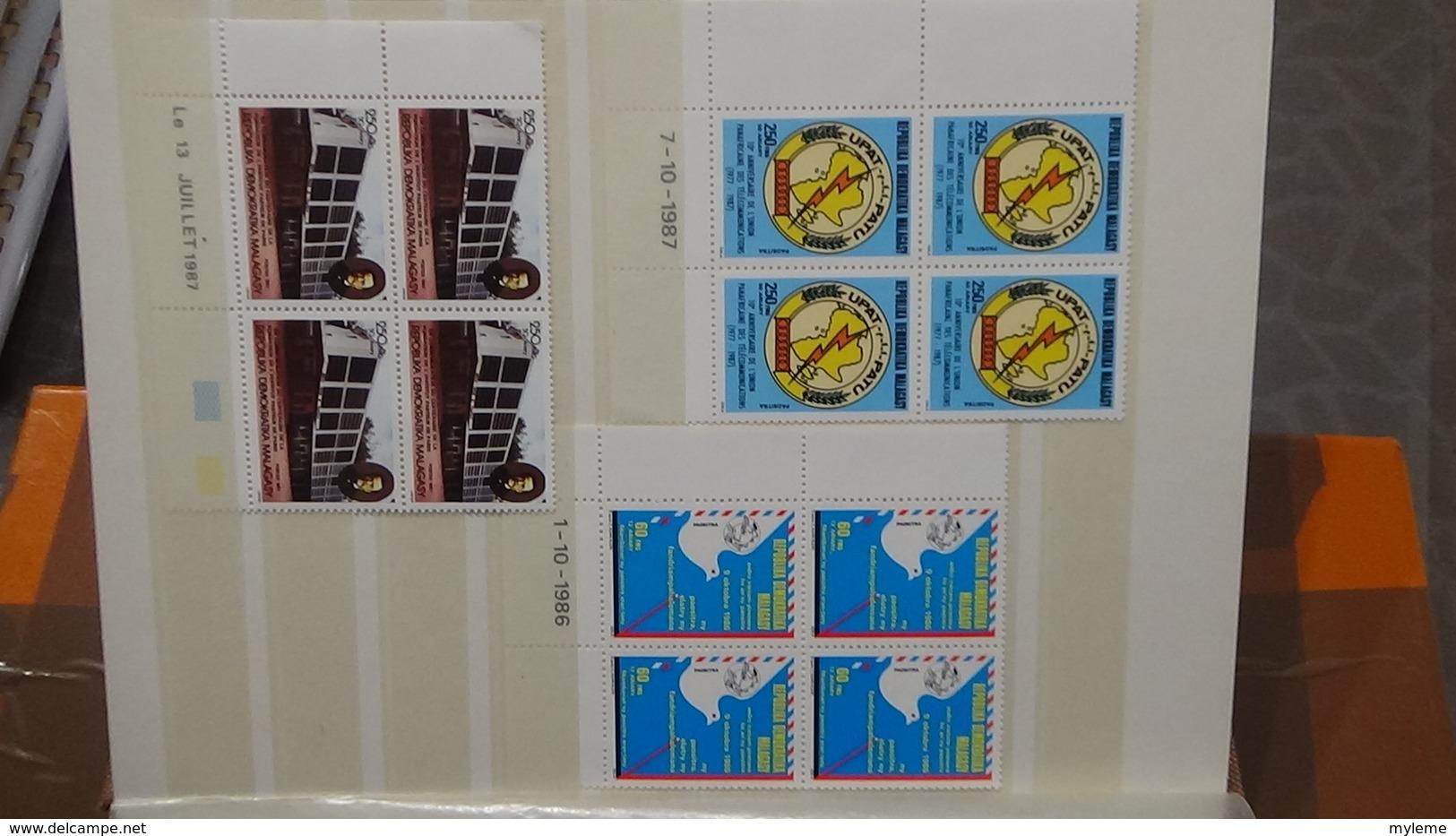 A236 Petit Album De  29  Coins Datés ** D'Afrique. Très Sympa !!! - Timbres