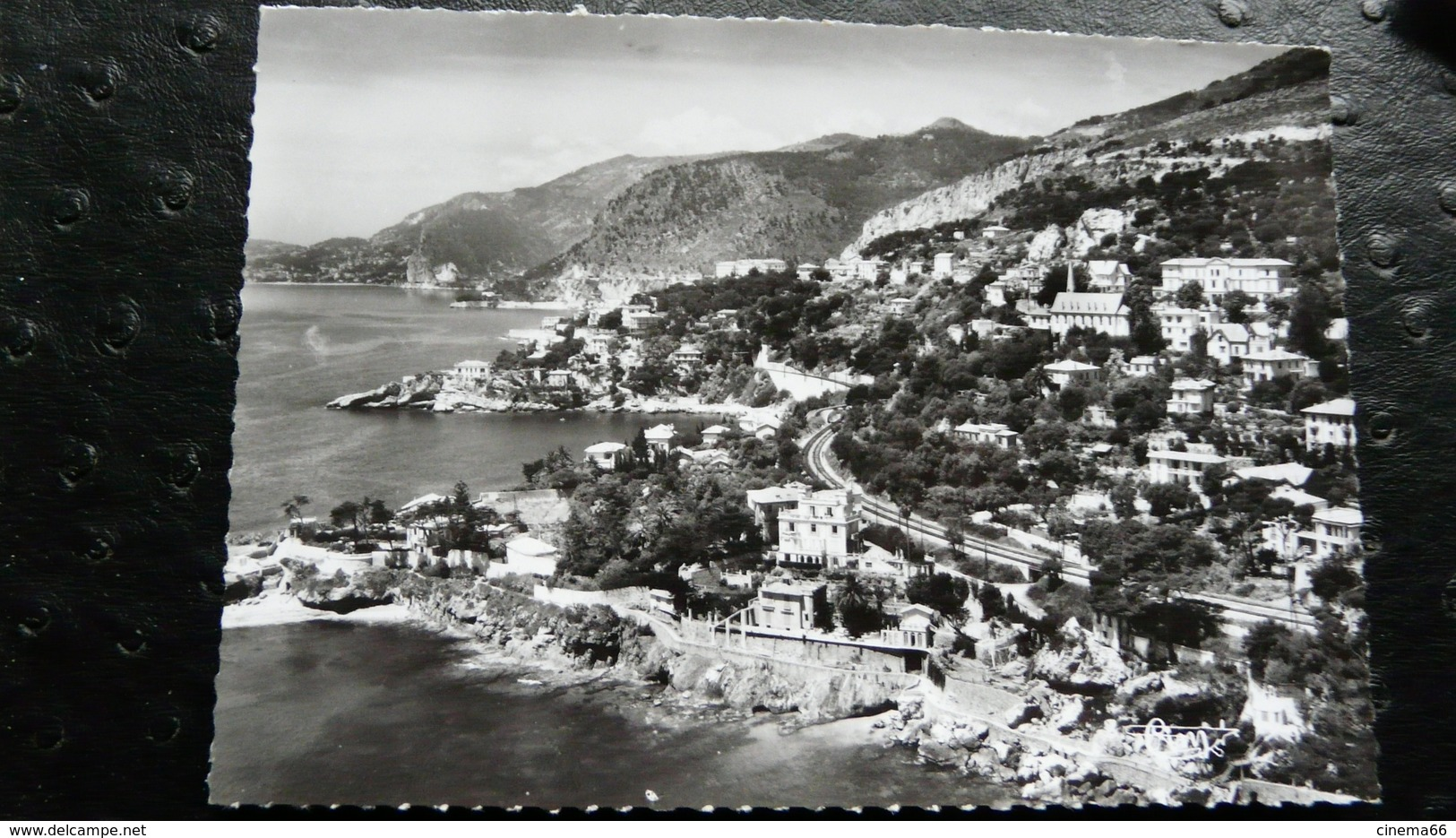 La Côte D'Azur : CAP-D'AIL (Alpes-Mar.) - A - Vue Panoramique Aérienne Et Les Villas - Cap-d'Ail