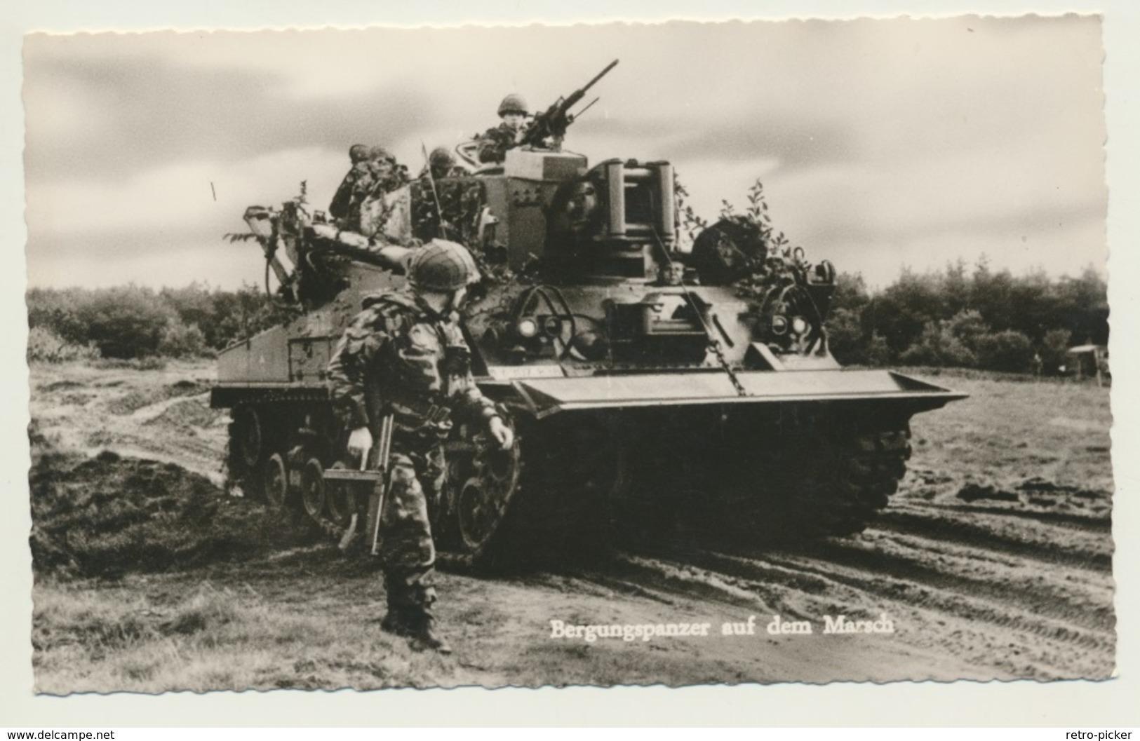 AK  Tank Panzer Bundeswehr Bergungspanzer Auf Dem Marsch - Matériel