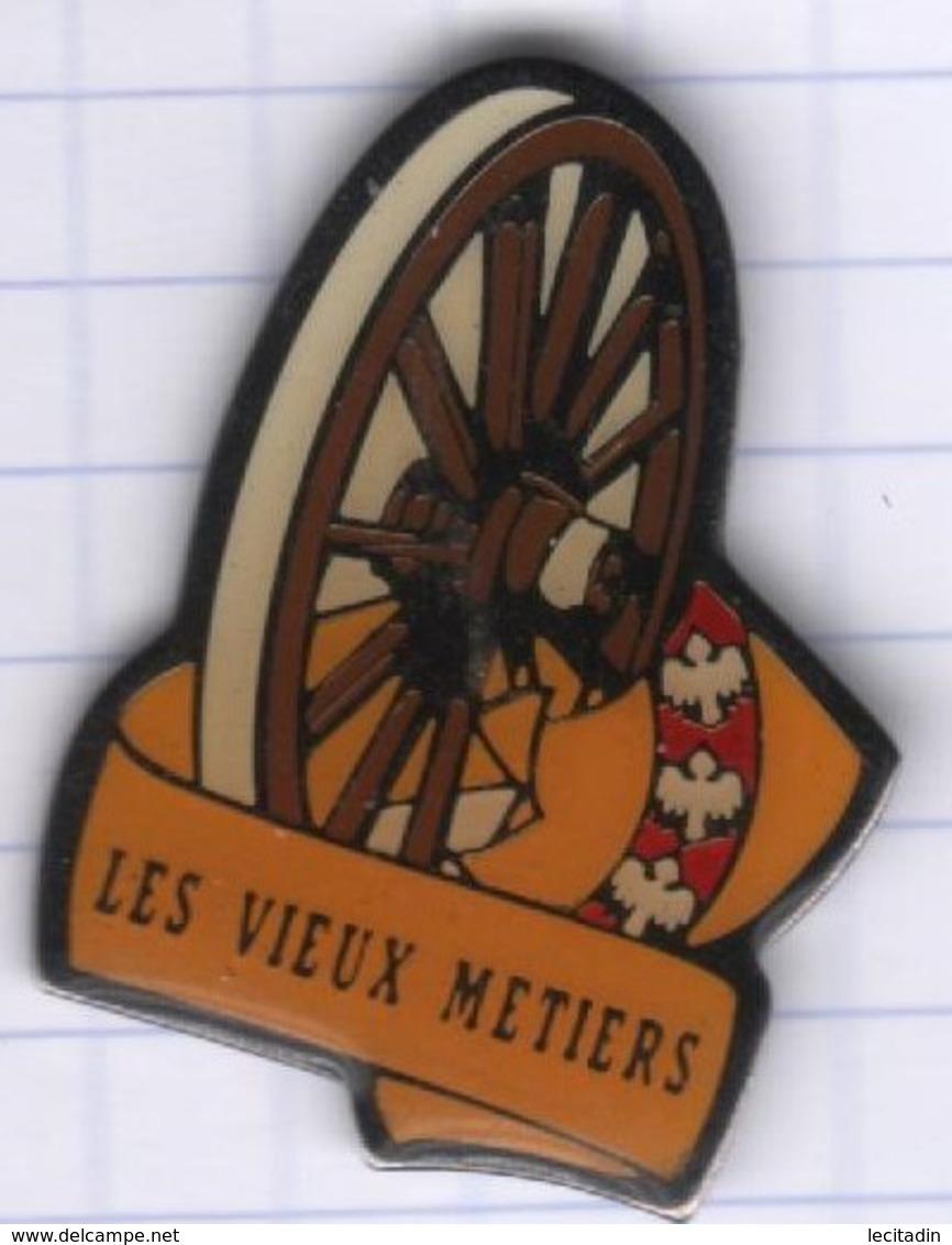 PINS VILLE 55 AZANNES Les Vieux Métiers 4 - Badges