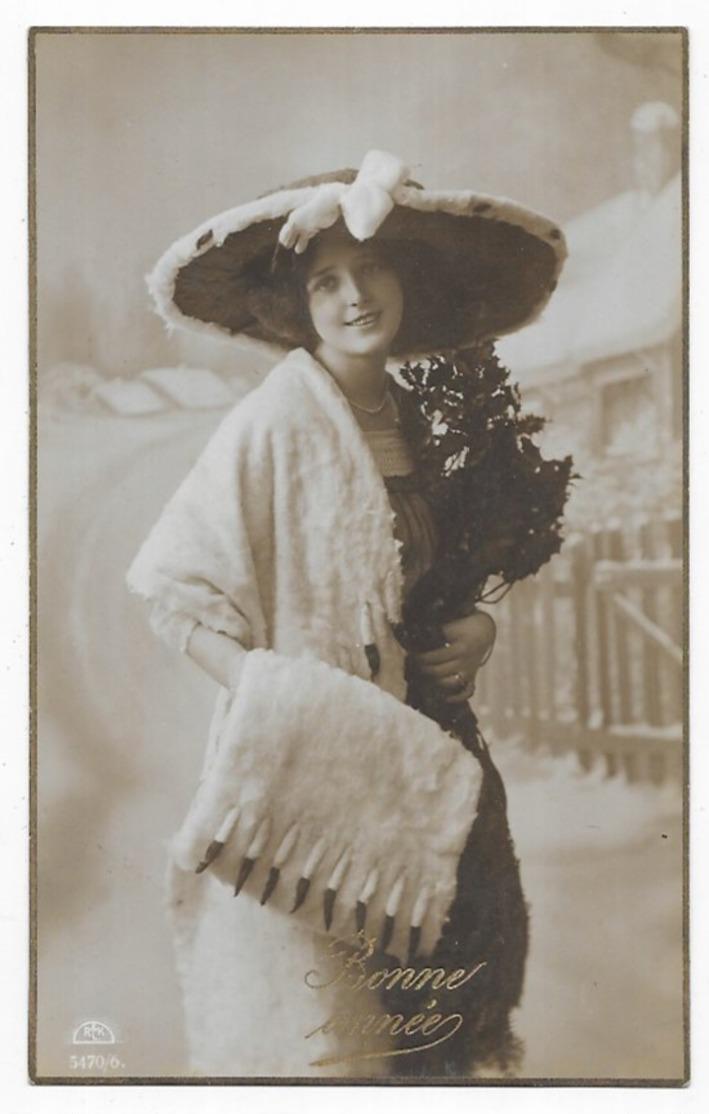 Grete Reinwald Avec Un Chapeau - Femmes