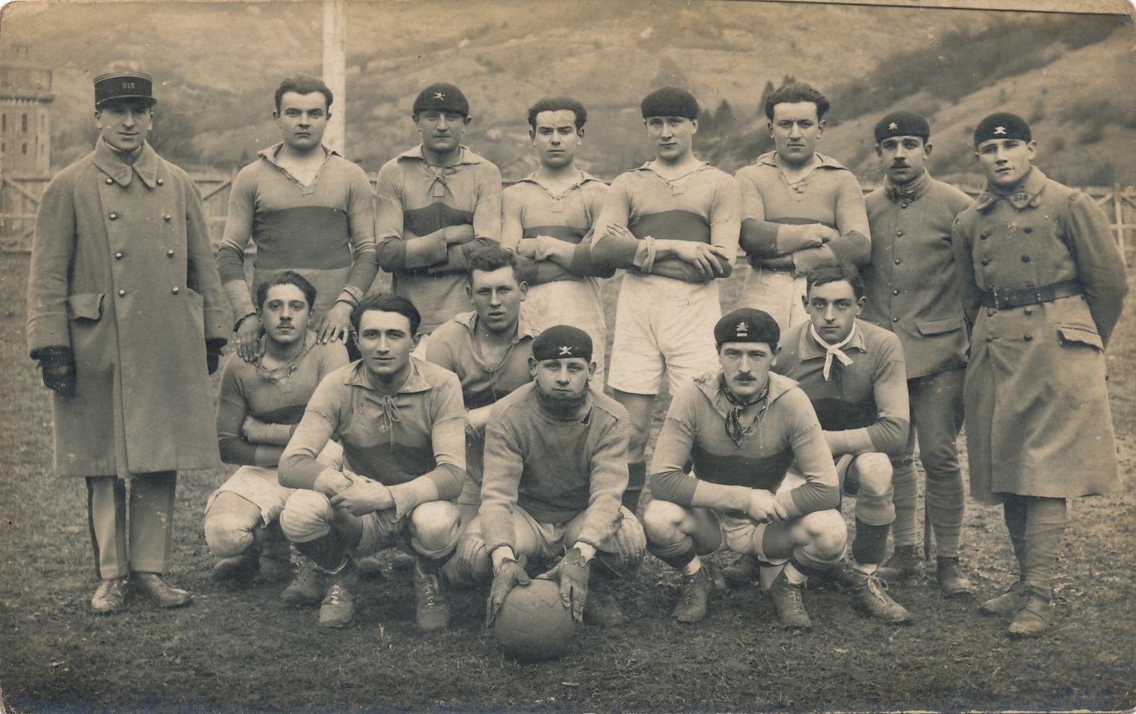 J4 - MILITARIA - L'équipe De Football Du 518e Régiment De Tankistes De BESANÇON - Doubs - Oorlog 1914-18