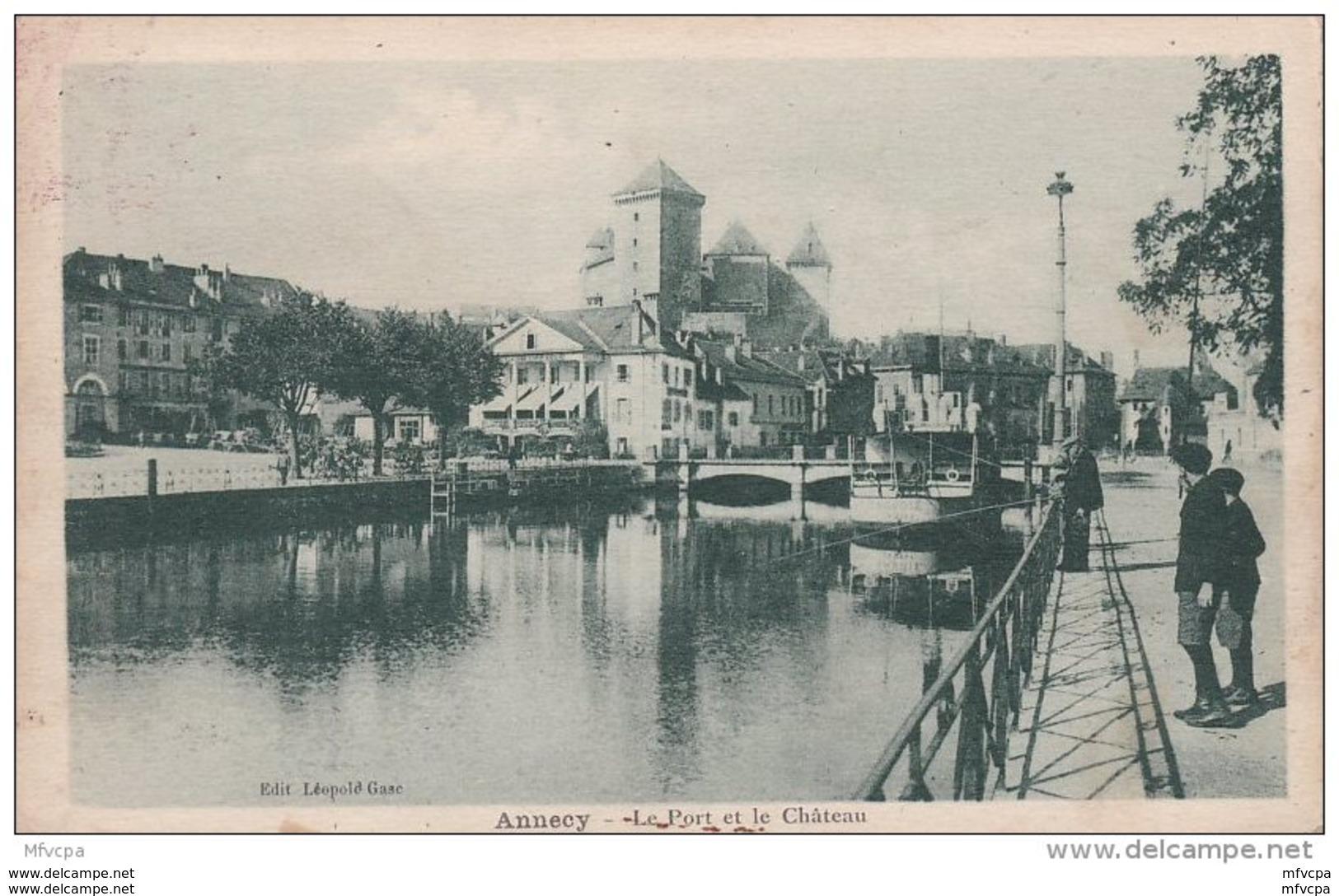 L4C209 CPSM 74 Hte Savoie Annecy Le Port Et Le Château Edit : Léopold Case - Annecy