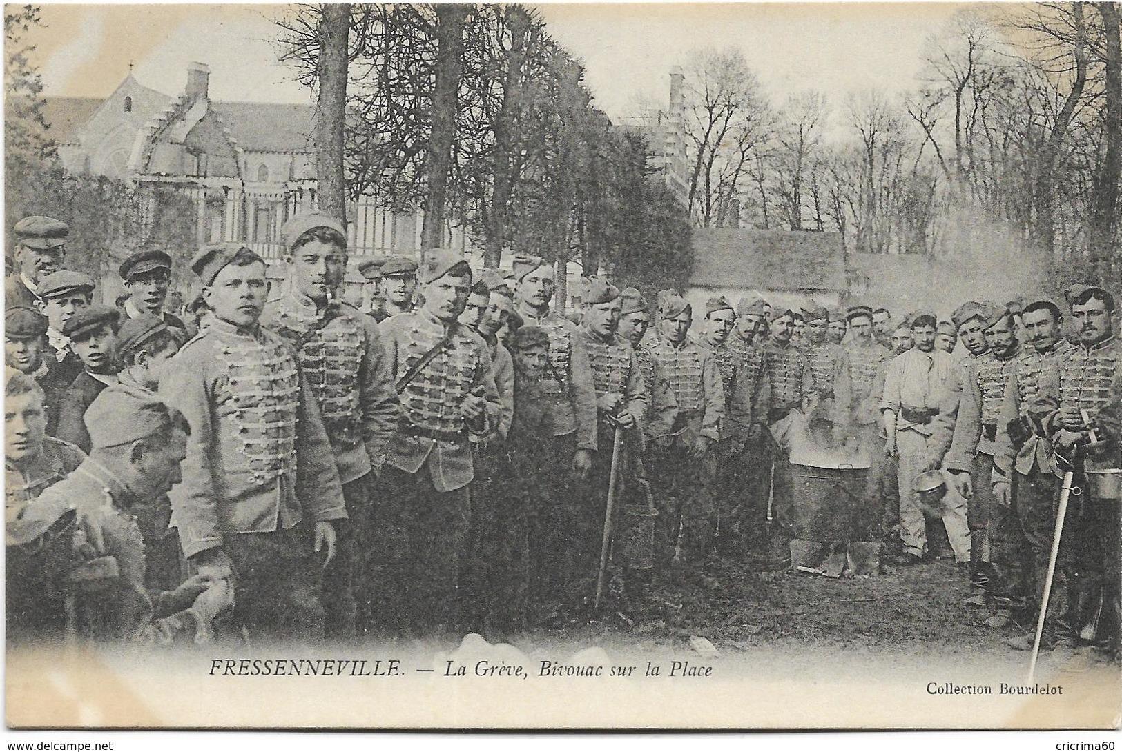 80 -  FRESSENNEVILLE - La Grève, Bivouac Sur La Place. Beau Plan Animé. BE. - Grèves