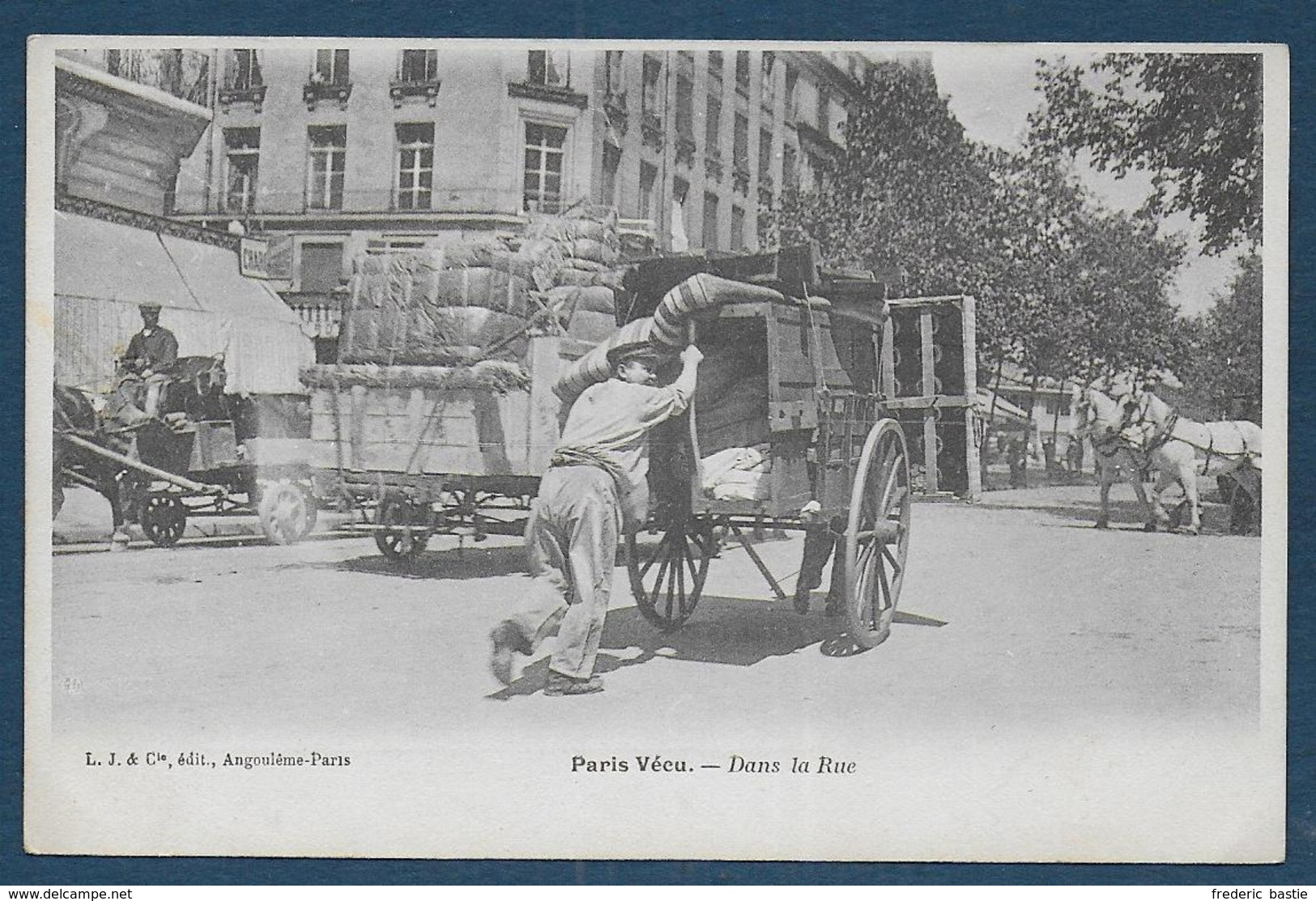 Paris Vécu  - Dans La Rue - Francia