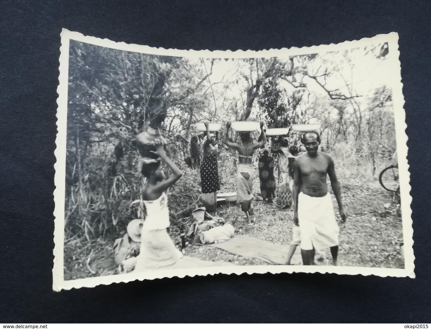 INSIGNE RÉGIMENT PARACHUTISTE PARA - COMMANDO BELGIQUE SUR UNIFORME MILITAIRE  3 PHOTOS ORIGINALES CONGO BELGE  KATANGA - Guerre, Militaire