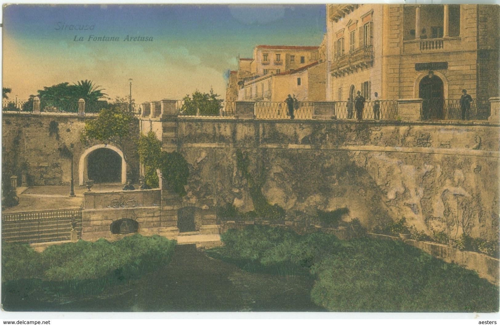 Siracusa; La Fontana Aretusa - Non Viaggiata. (Santoro - Siracusa) - Siracusa
