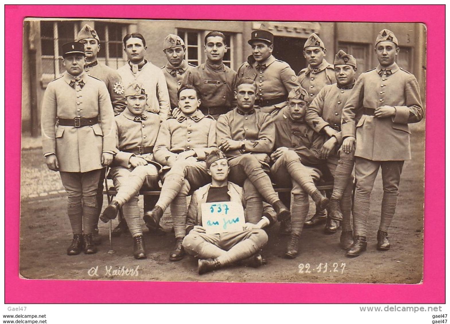 CARTE PHOTO  (Réf : Z392) MILITARIAT PHOTO DE GROUPE 121ème D. Kaisers 22/11/1927 - Personen