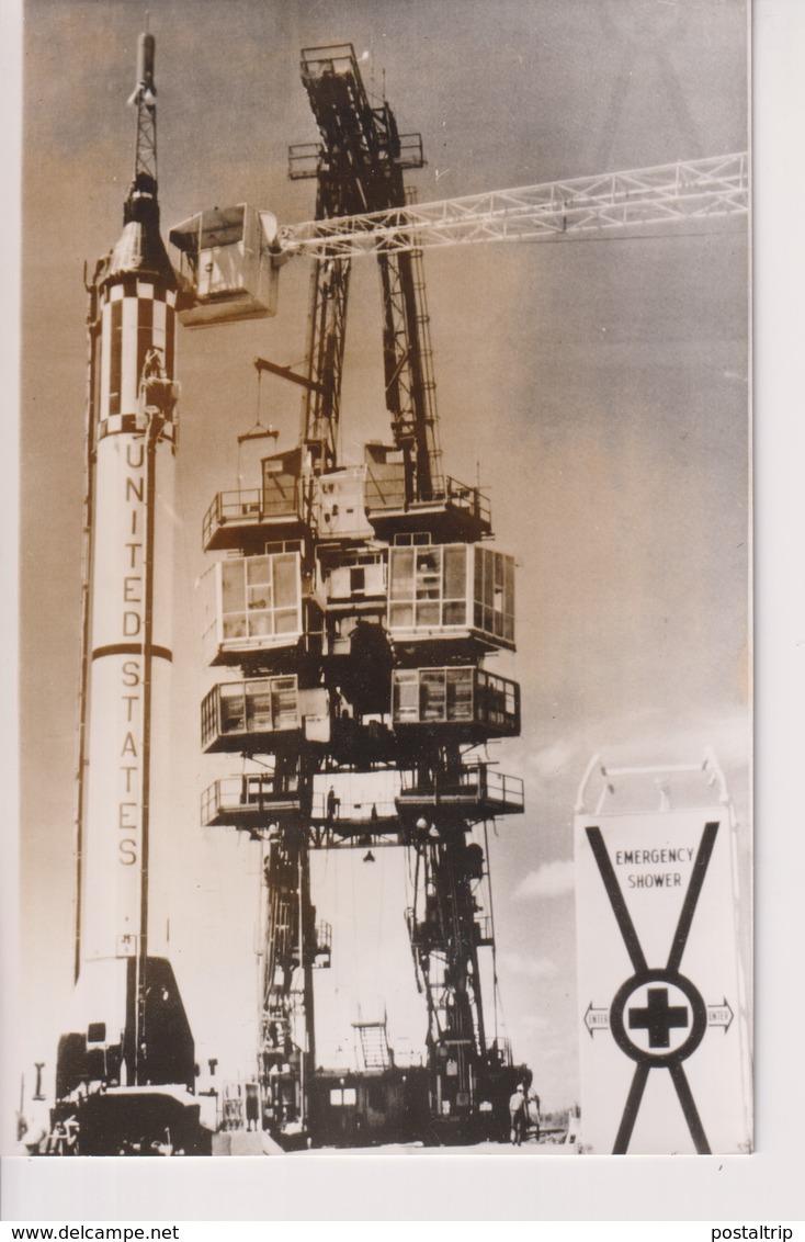 CAPE CANAVERAL MERCURY REDSTONE RAKET VIRGIL I GRISSOM 18*12CM Astronáutica Astronautique Raumfahrt Espace - Aviación