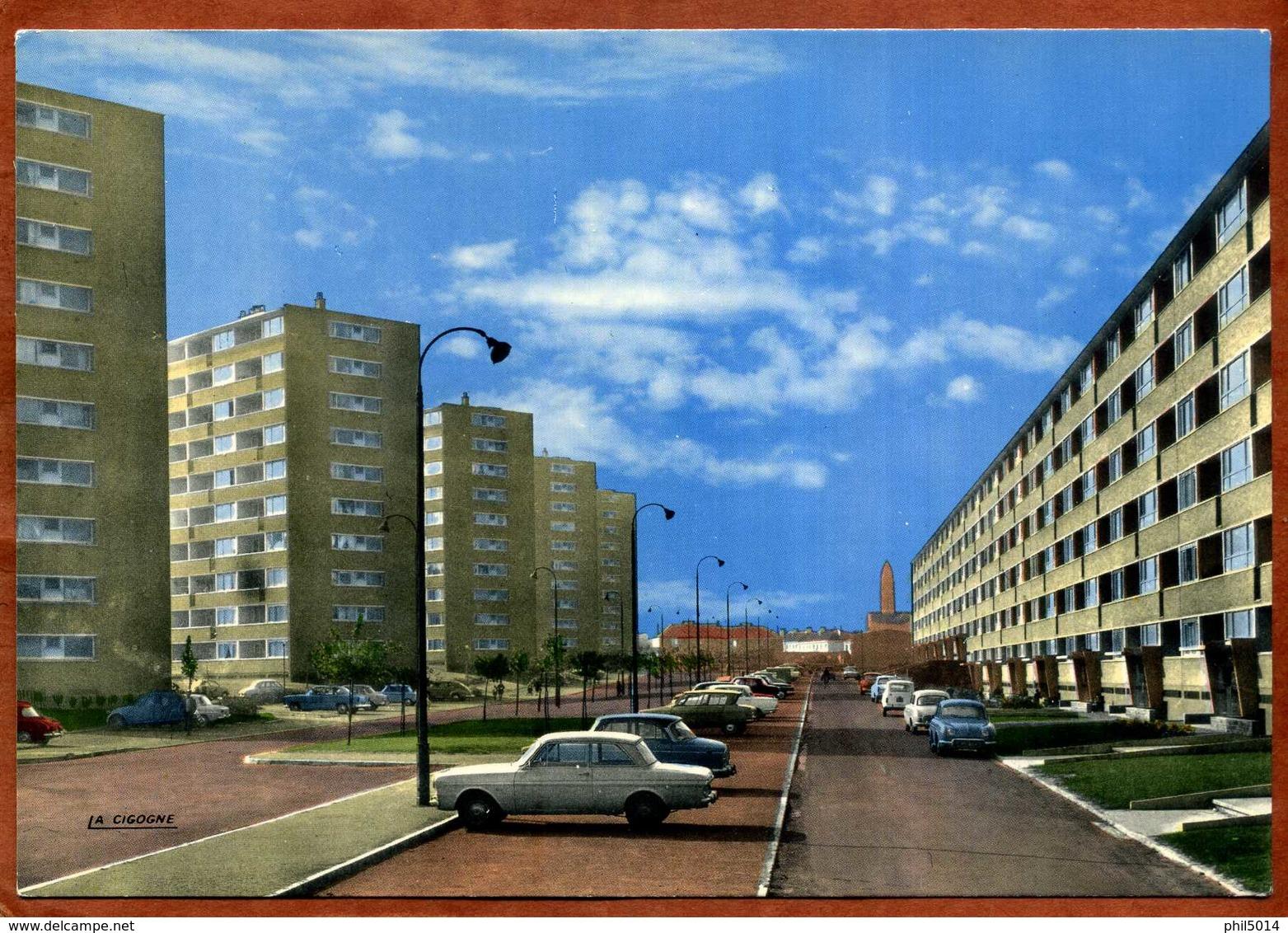 59  CPSM TOURCOING -BELLECONTRE  Avenue Kennedy   Voitures Dont  Citroen, Renault....   Très Bon état - Tourcoing