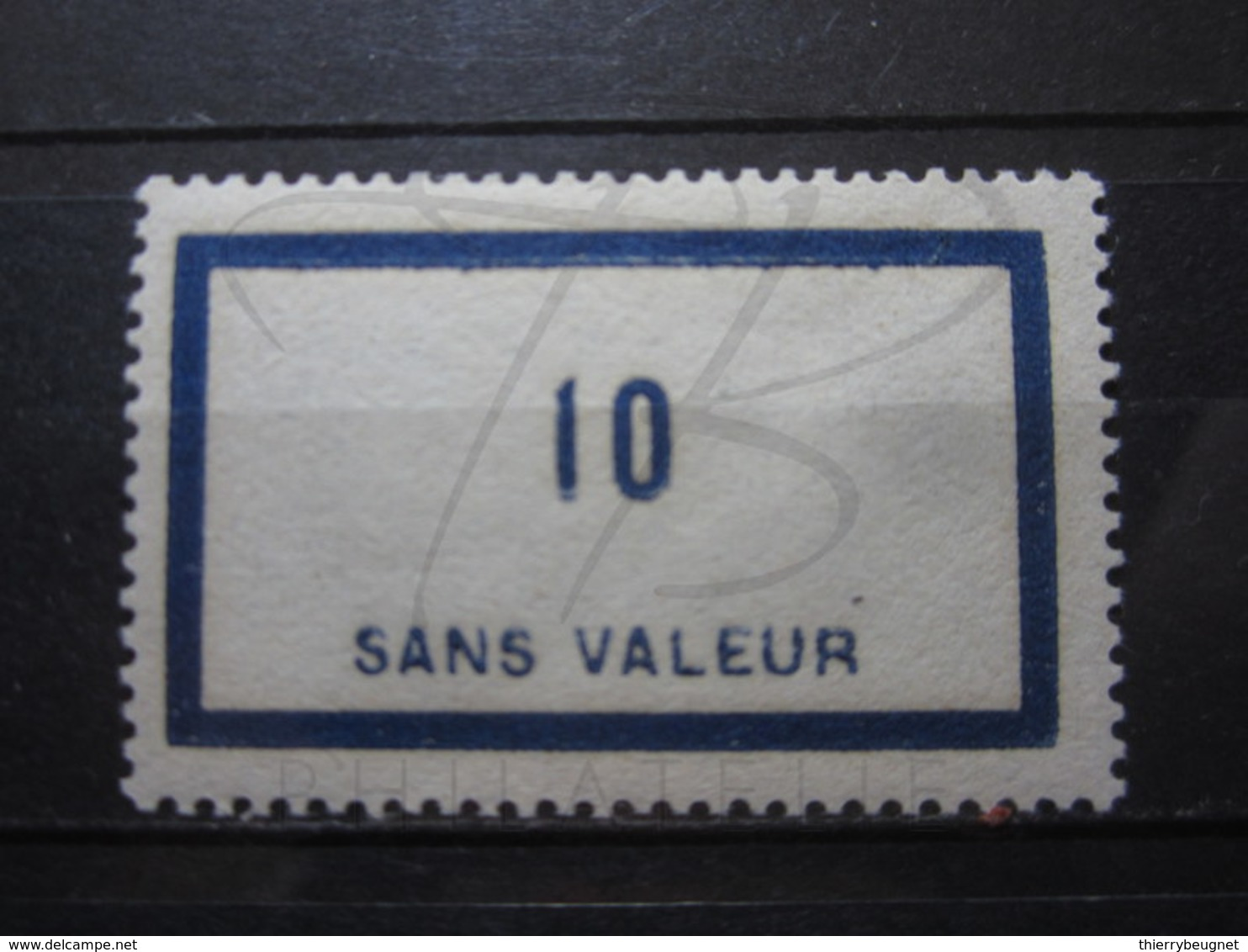 VEND BEAU TIMBRE FICTIF DE FRANCE N° F45 , XX !!! - Phantomausgaben