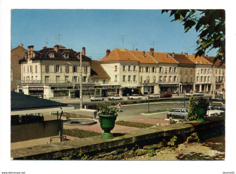 BACCARAT (54) - Le Parking Et Rue De La Division Leclerc - Baccarat