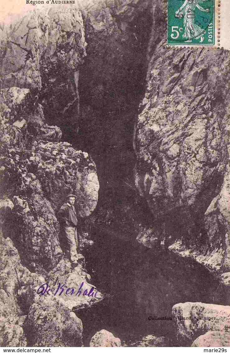 29 CLEDEN-CAP-SIZUN Grotte De L'Est De La Baie Des Trépassés - Cléden-Cap-Sizun