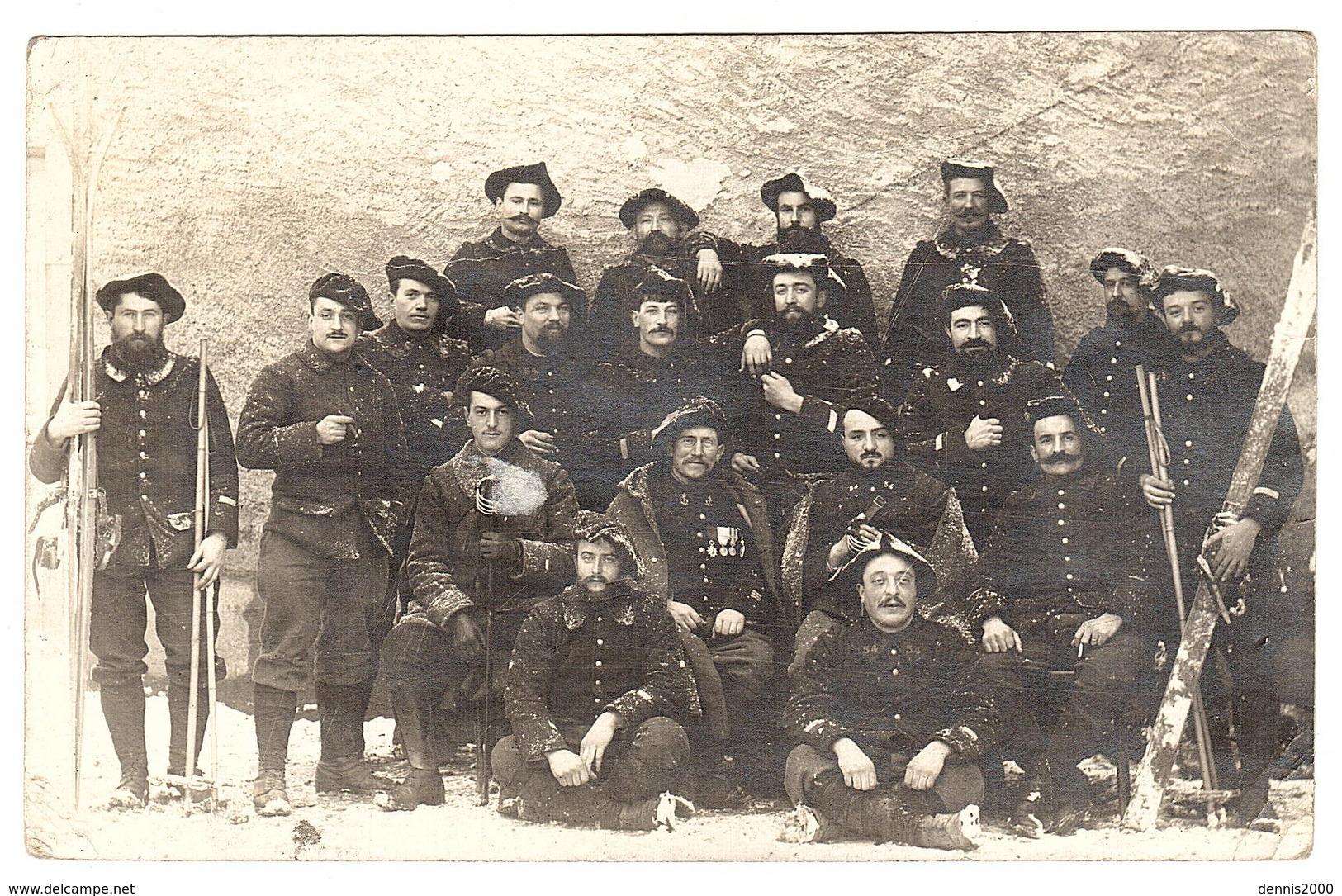 MILITARIA - CARTE PHOTO - GROUPE DE MILITAIRES - Obliteration 1915 - Guerre 1914-18