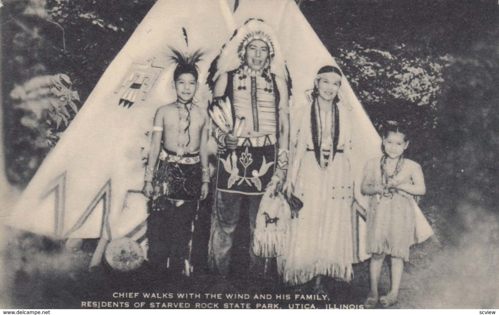 UTICA , Illinois , 1930s ; Chief Walks With The Wind & Family - Indiens De L'Amerique Du Nord