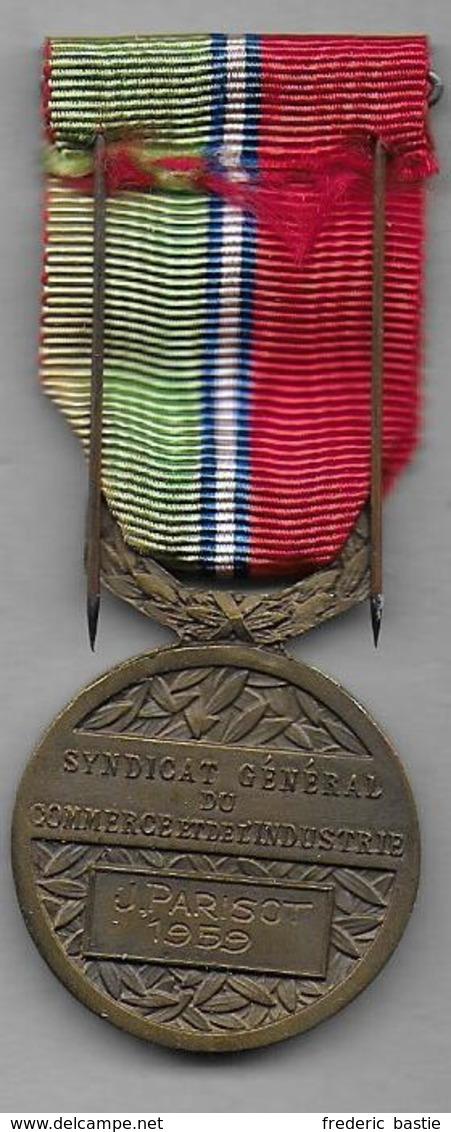 Médaille Du Syndicat Général Du Commerce Et De L' Industrie - Non Classés