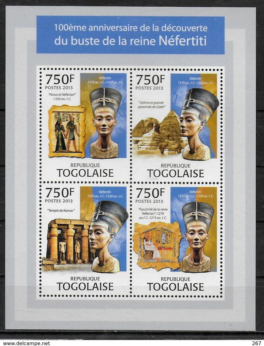 TOGO Feuillet  N° 3236/39 * *  ( Cote 18e )  Egyptologie Sphinx Pyramide Nefertiti - Egyptologie